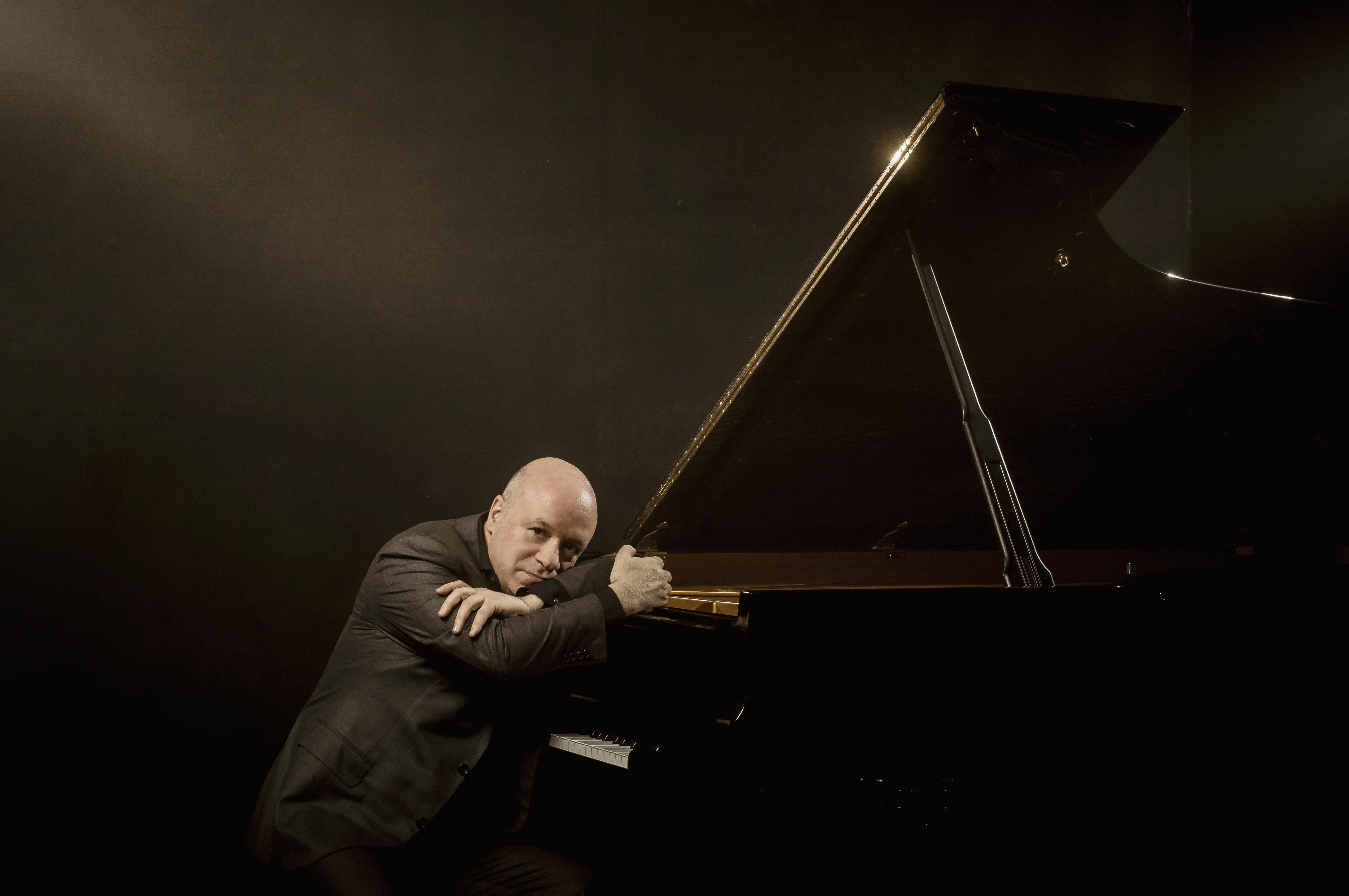 Albert piano 1